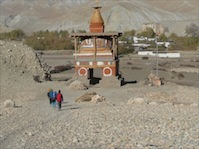 Entering a village in the Upper Mustang